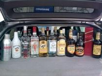 Употребление алкоголя в припаркованной машине
